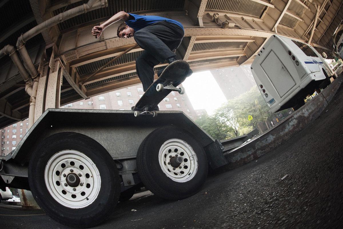 Frontside Tailslide